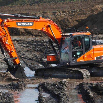 Doosan DX180LC-5 Kettenbagger